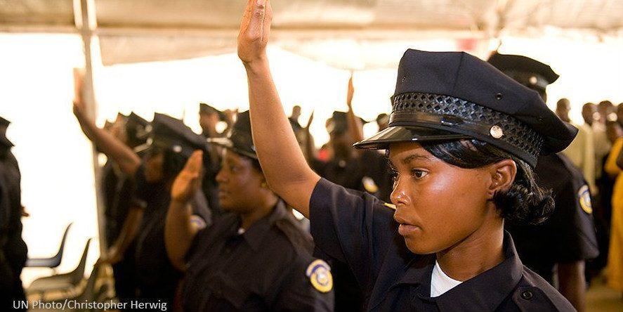 Naiset uudistavat Afrikan poliisivoimia