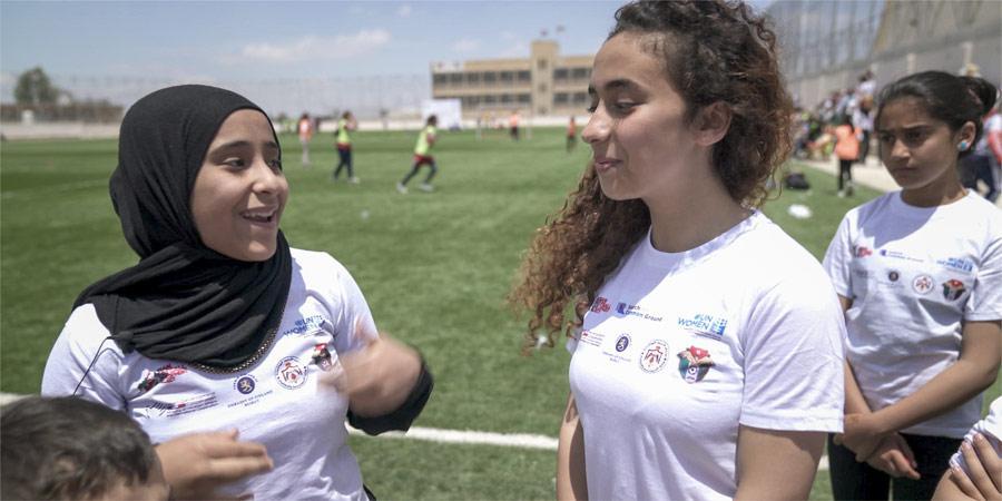 Jalkapallo tuo Syyrian pakolaiset ja jordanialaiset tytöt yhteen
